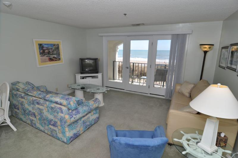 Living Room - Villa Capriani 115-B Oceanfront! | 3 Pools, Largest Pool on NC Coast, 2 Hot Tubs, Grill Area, Tennis Courts, Restaurant, and Internet - North Topsail Beach - rentals