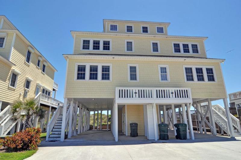 850 Villas Dr - Villas Drive 850 Oceanfront | Community Pool, Hot Tub, Elevator, Jacuzzi, Internet - North Topsail Beach - rentals
