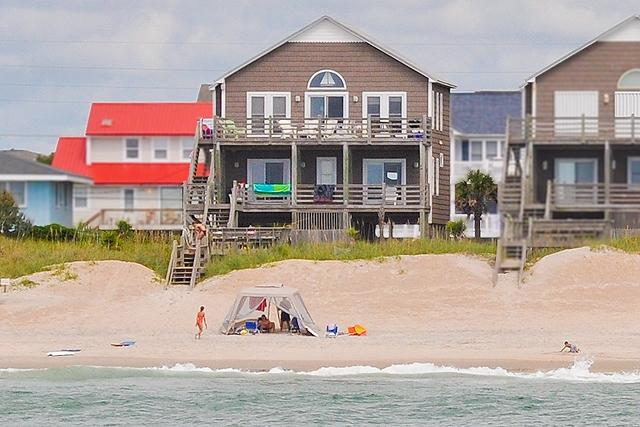 I'm on a boat! - S. Shore Drive 1604 Oceanfront! | Fireplace, Internet - Surf City - rentals