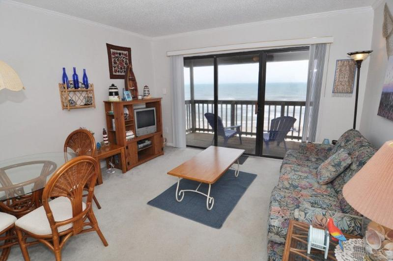 Living Area - Topsail Dunes 2304 Oceanfront! | Community Pool, Tennis Courts, Grill Area - North Topsail Beach - rentals