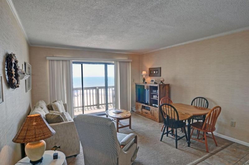 Living Area - Topsail Dunes 1213 Oceanfront! | Community Pool, Tennis Courts, Grill Area - North Topsail Beach - rentals
