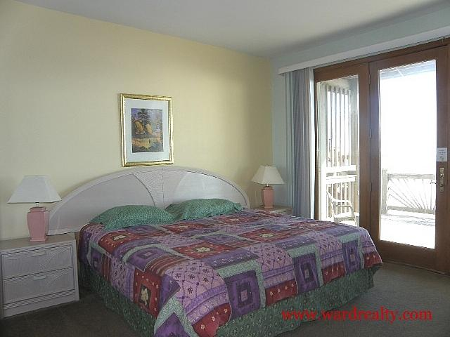 North Oceanfront King Bedroom - Sylva Sands - Surf City - rentals