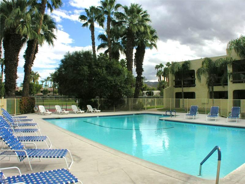 PS Golf & Tennis Club Condo - Image 1 - Palm Springs - rentals