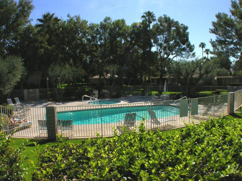 Sunrise Alejo Pool View - Image 1 - Palm Springs - rentals