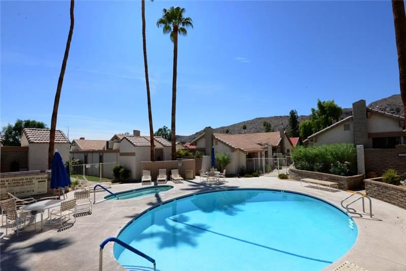 Canyon Sands Hideaway CD175 - Image 1 - Palm Springs - rentals
