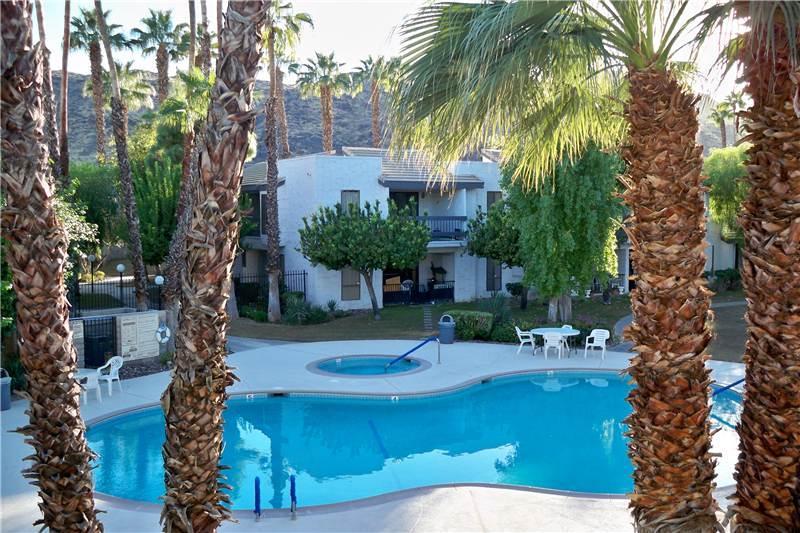 Palm Cyn Villas Comfort PC114 - Image 1 - Palm Springs - rentals