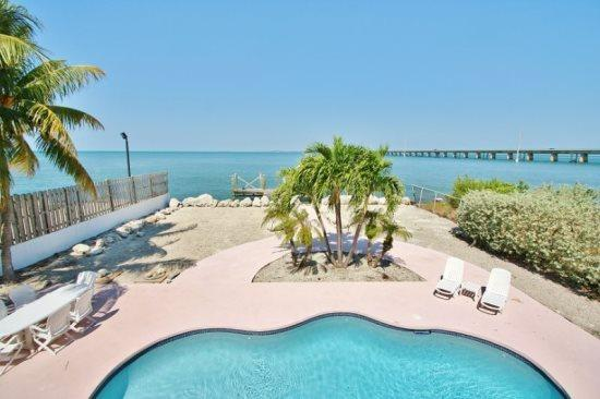 Florida Keys Vacation Rental by Coco Plum Vacation Rentals - Sea ForeverDirect Oceanfront Pool Home in Marathon - Marathon - rentals