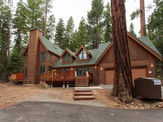 Tallac Lodge Luxury Vacation Rental -Walk to Beach - Image 1 - Carnelian Bay - rentals