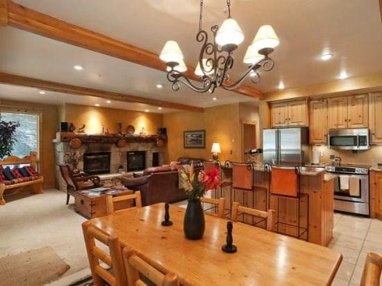 Glenfiddich Fashionable Deer Valley Townhome 1 block from Slopes ! - Image 1 - Park City - rentals