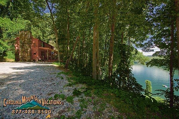 Lake View log cabin - Image 1 - Bryson City - rentals