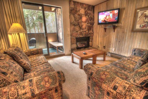 CM116 Copper Mtn Inn 2BR 3BA - Center Village - Image 1 - Copper Mountain - rentals
