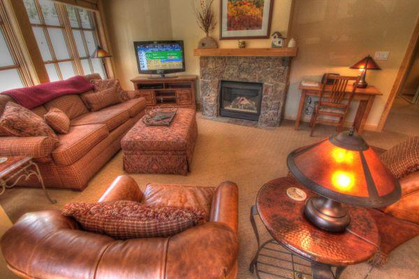 PP327 Passage Point 2BR 2BA - Center Village - Image 1 - Copper Mountain - rentals