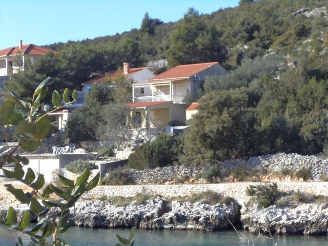Seafront house for rent, Vinisce, Trogir area - Image 1 - Trogir - rentals