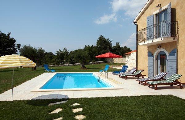 Holidy villa Nino 3, Rovinj, Istria - Image 1 - Prkacini - rentals