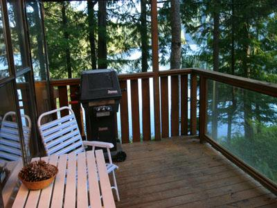 North Lake 1 Bedroom Water Front Retreat on the Sunshine Coast - Image 1 - Gibsons - rentals
