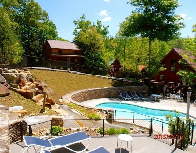 Bear Necessities across from the pool - SUMMER/FALL SPECIAL, COZY 2BD/2BA CABIN - Gatlinburg - rentals