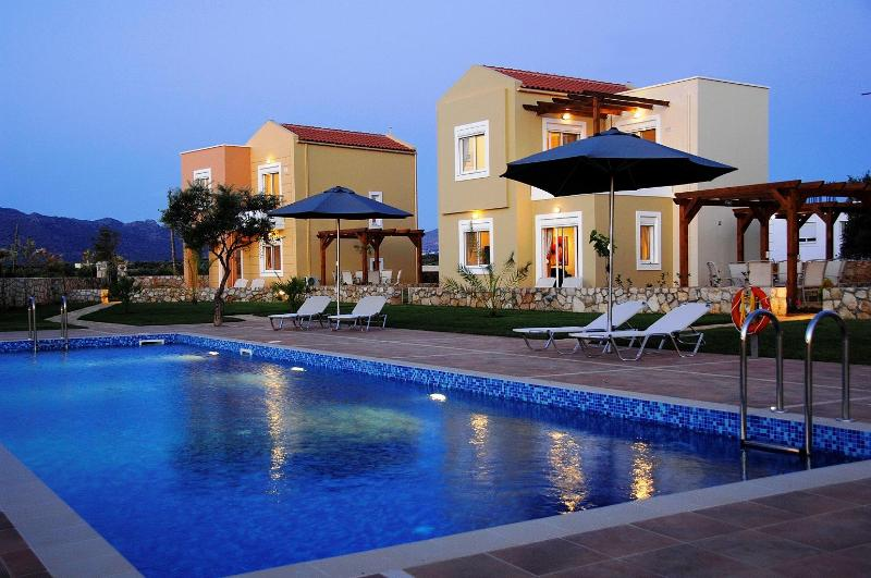 Villas for rent in Crete near to sandy beaches - 2 bed villa in Crete with pool and free internet - Chania - rentals