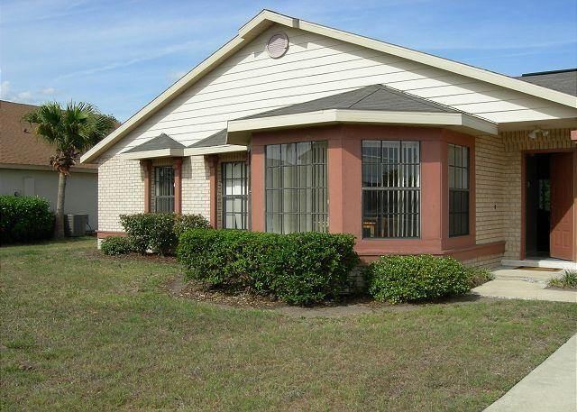 Pet-friendly vacation home in Kissimmee, private pool, free Wi-Fi - Image 1 - Kissimmee - rentals