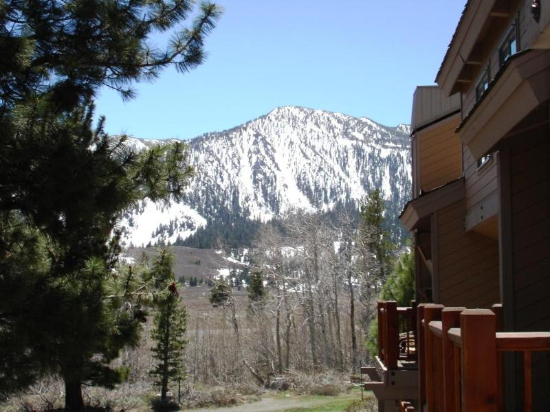 Side view from balcony. - Mammoth remodeled loft condo close to town, slopes - Mammoth Lakes - rentals