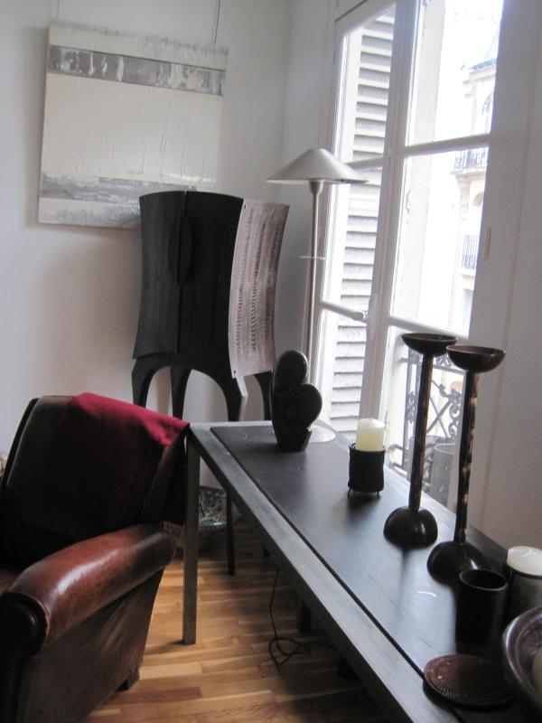 Living room - Buci Saint Germain Des Pres Paris Sleeps 2-5 - Paris - rentals