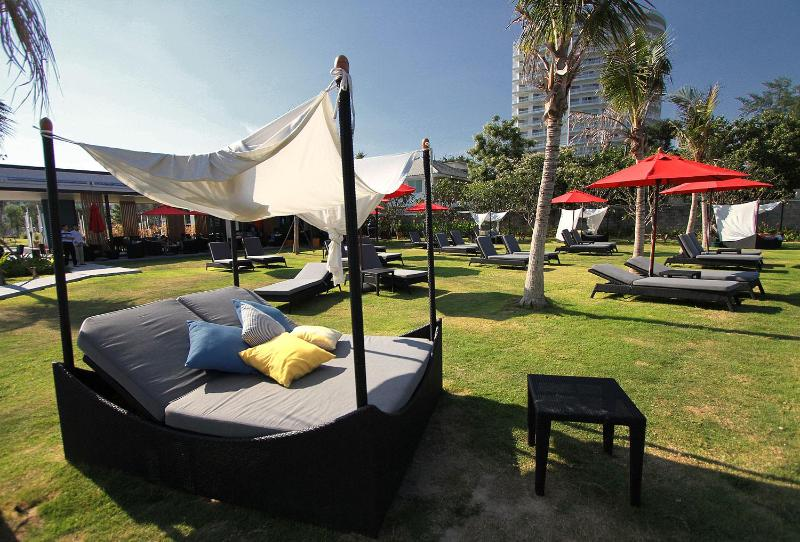 Outdoor area - 1 bedroom by the beach: Hua Hin - Prachuap Khiri Khan - rentals