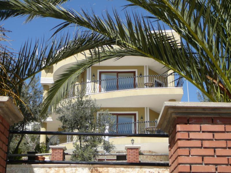 Curving facade - Villa Cesme, a luxury 4 bedroom villa in Kalkan - Kalkan - rentals