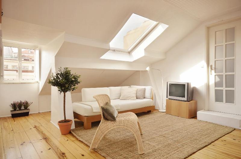 Bright lounge - Romantic & cozy studio at historic centre,a/c,wifi - Lisbon - rentals