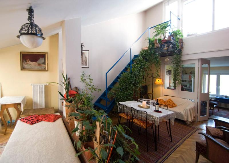 Living room with the stairs leading to the roof terrace - A Real Home With Big Panorama Roof Terracce - Budapest - rentals