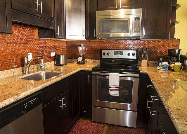 Kitchen - Beautiful, Remodeled Condo at Kihei Alii Kai. - Kihei - rentals