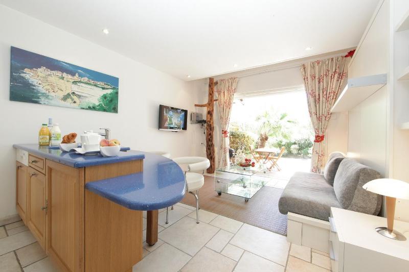 4 Star mini villa for 2 people, Bonifacio, Corsica - Image 1 - Bonifacio - rentals