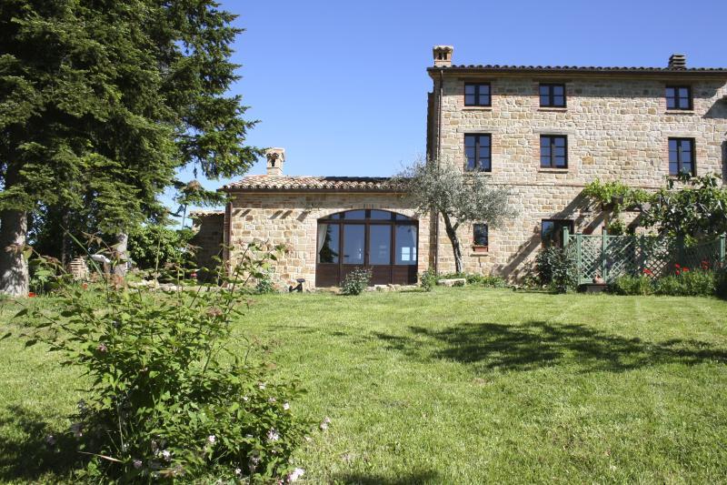 Casa Maddalena, Gualdo - 3 bedroom farmhouse, Gualdo, Macerata, Le Marche - Gualdo - rentals