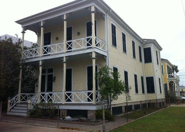 1886 Victorian Home - Large, East End Victorian, sleeps 15 - Galveston - rentals