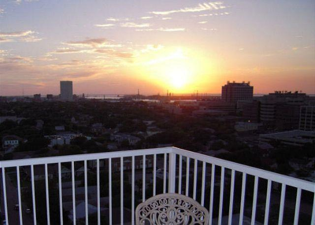 Sunset - 5 Star Condo–Amenities–Views–Internet–Great Beds–Washer/Dryer - Galveston - rentals