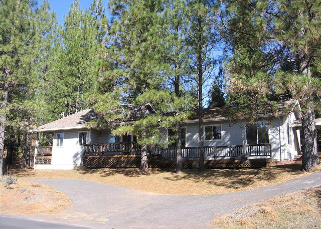 Front View - Clean, comfy family home- near lodge, large windows, full kitchen, A/C - Groveland - rentals
