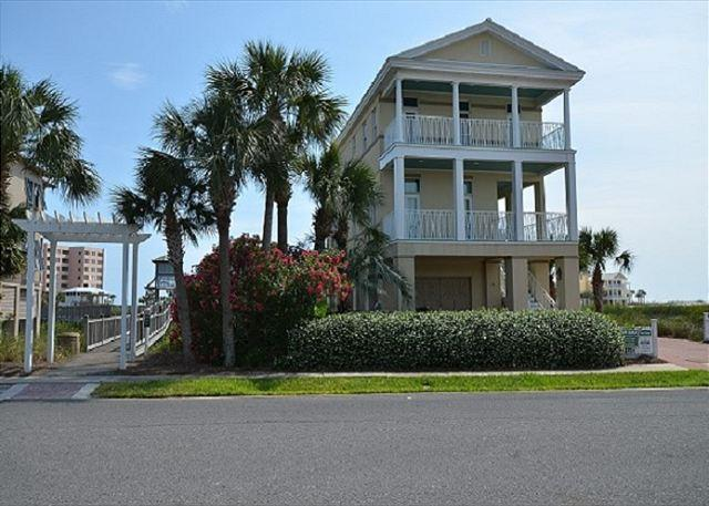 Front of Cool Change - Luxurious 4 Bedroom Private Home Located In Destin Pointe With Gulf Views - Destin - rentals