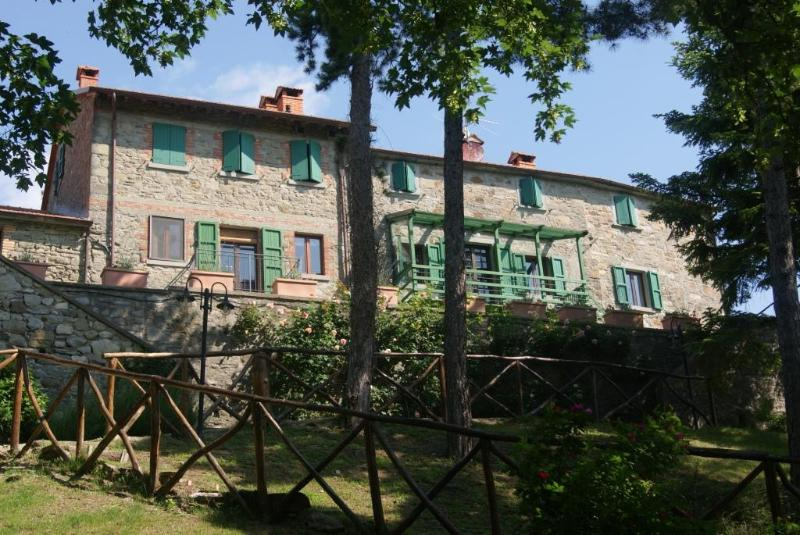 The house from the park - Fattoria di Arsicci, your home in Italy. - Badia Tedalda - rentals