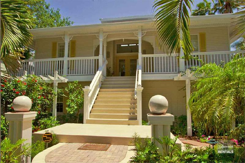 Sensationally designed Florida style three bedroom home only blocks from the beach. Available for summer season only! - Image 1 - Naples - rentals