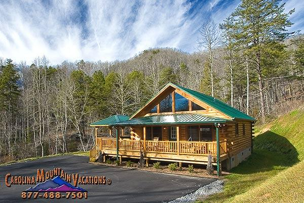 The paved roads and large parking area make this an excellent motor cycle friendly cabin. - Raccoon Retreat log cabin - Bryson City - rentals