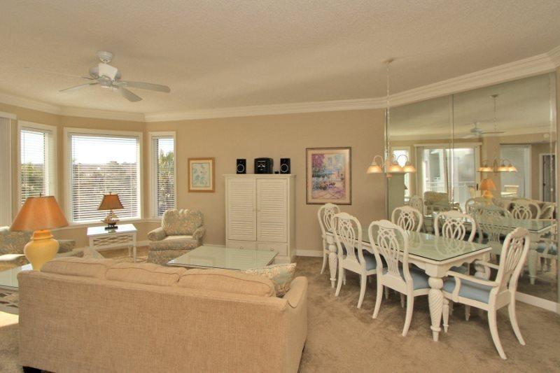 2312 Sea Crest Living Room - 2312 Sea Crest - Hilton Head - rentals