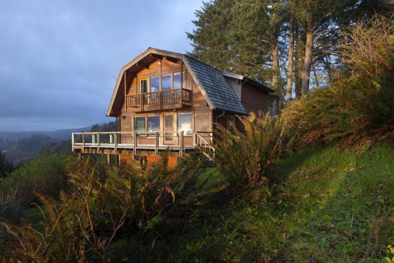 Pet-friendly, oceanview home with amazing views - Image 1 - Neskowin - rentals