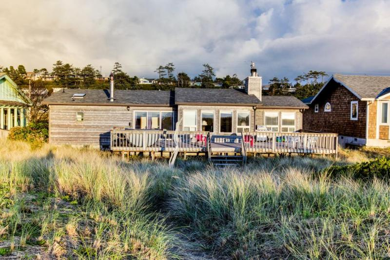 Daly's Oceanfront House - Image 1 - Waldport - rentals