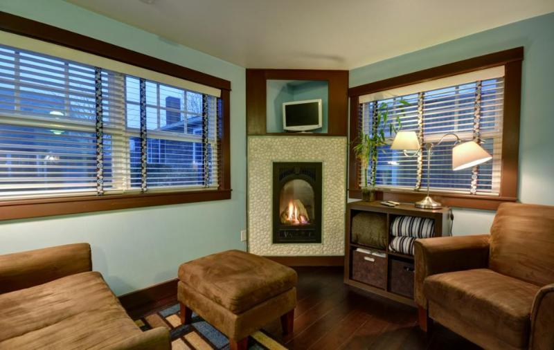 Hidden Villa Cottage #4 - The Ocean Cottage - Image 1 - Cannon Beach - rentals