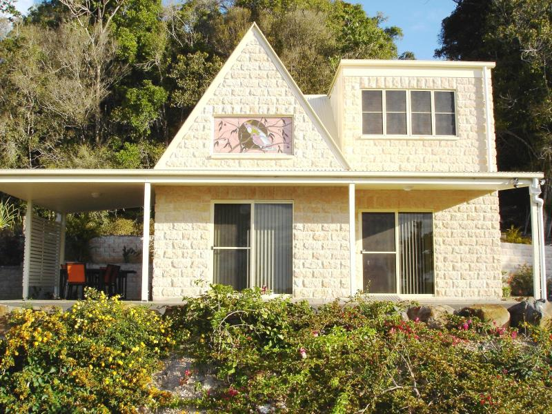 Cooroora cottage-3 bedrooms, 1 1/2 floors, Wheelchair access - Cooroy Country Cottages (Cooroora Cottage) - Cooroy - rentals