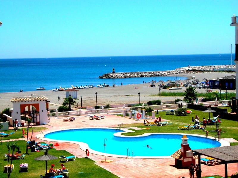 Direct beach access - Beachfront apartment in Costa del Sol (Duquesa) - Puerto de la Duquesa - rentals