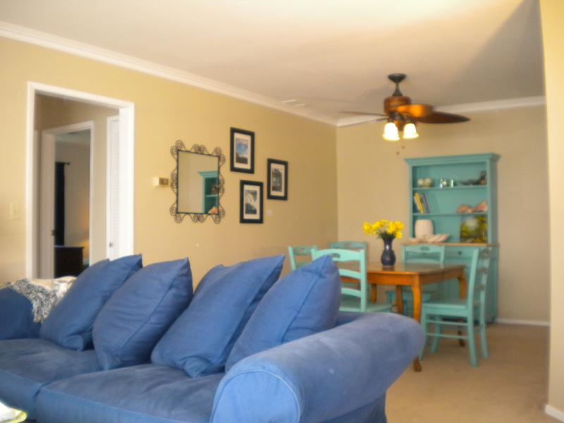living dining area - Walk to the beach- Cute 2 bedroom condo - Carpinteria - rentals
