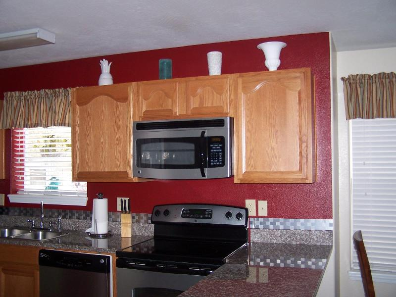 Kitchen - Colorful/Convenient - Branson Lakeside Condo * Silver$City *No Steps - Branson - rentals