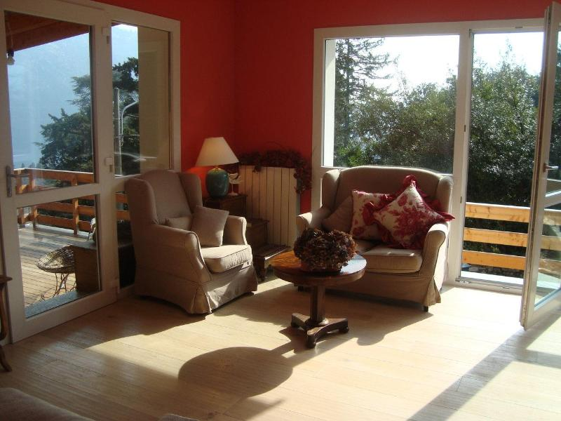 full of natural light lounge room - Cernobbio Charming Apartment, Magical Lake Como - Cernobbio - rentals