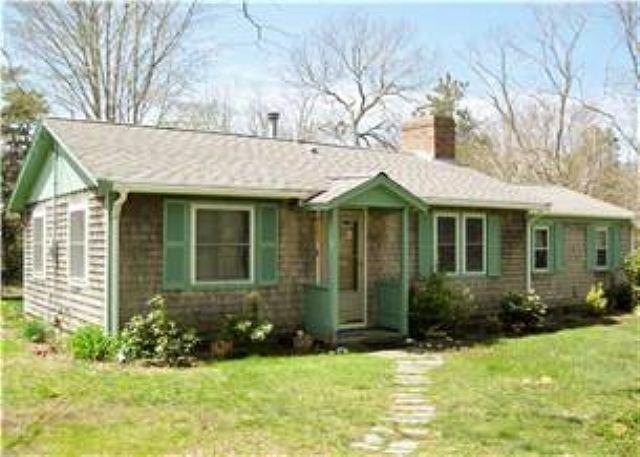 320 WEIR RD., EASTHAM - This Sweet Cottage sleeps 4 guests in peaceful setting near Cape Cod Bay. - Eastham - rentals