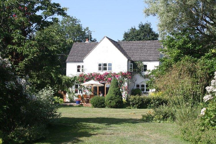 Main house (not holiday cottage - this is being converted in May 2015) - October House Holiday Cottage - Fordingbridge - rentals