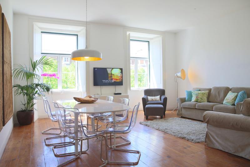 Light, space, comfort, original high quality materials - Elegance in Historic Centre/Chiado (free wifi) RSP - Lisbon - rentals